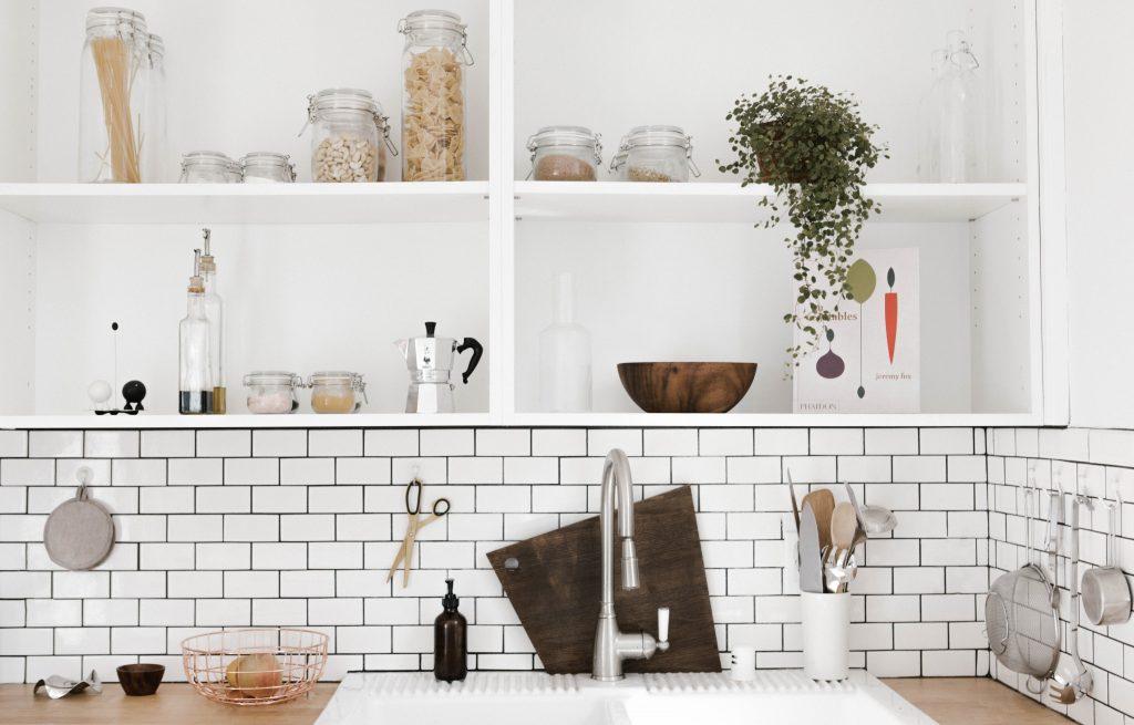 Tipps für mehr Ordnung in der Küche – Kamille und Lavendel